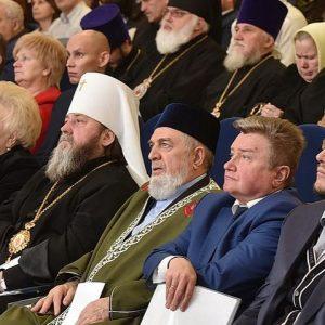 Мусульмане Удмуртии приняли участие в форуме «Общество и власть – 2016»