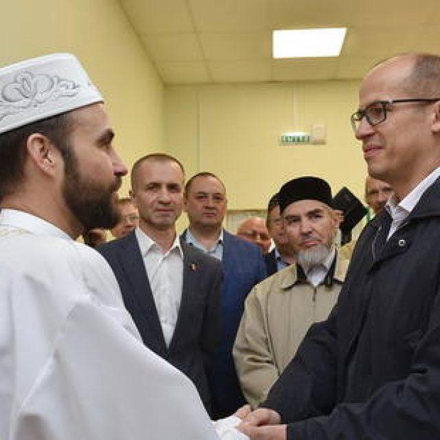 Александр Бречалов принял участие в празднике Ураза-Байрам